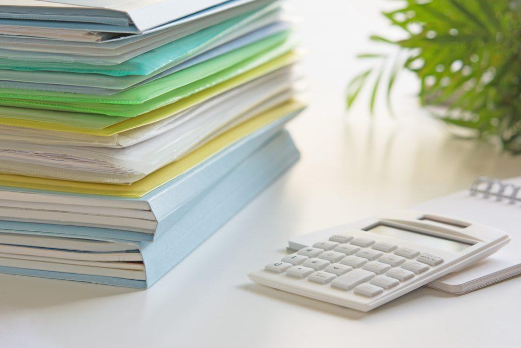 書類と計算機